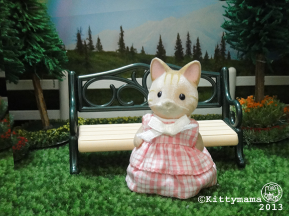 Unaccompanied Minors- pink cat sister